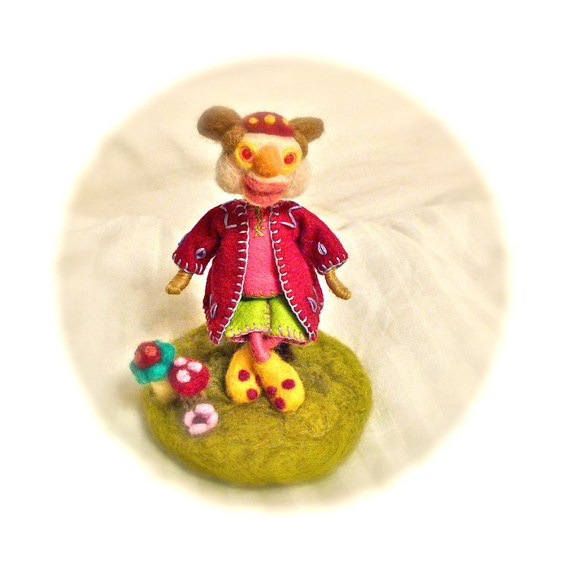 Needle_felted_doll