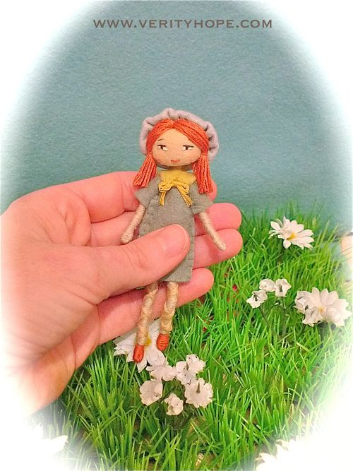 Verity hope hand size dolls